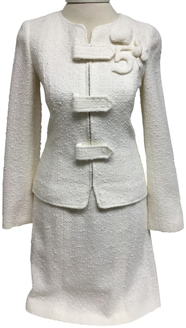 Item - White Tweed with Zipper Closure Skirt Suit Size 4 (S)