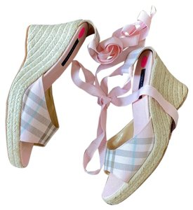 Burberry pink Wedges