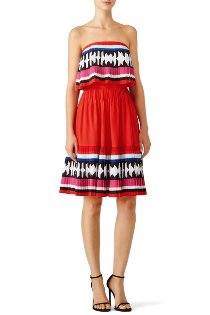 Item - Red Geo Border Strapless Pleated Mid-length Short Casual Dress Size 8 (M)