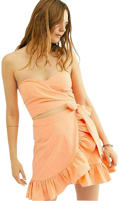 Item - Coral XS Muy Caliente Tube Wrap Mini Smocked Beach Wear Mid-length Formal Dress Size 2 (XS)