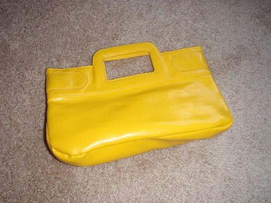 Other yellow Clutch