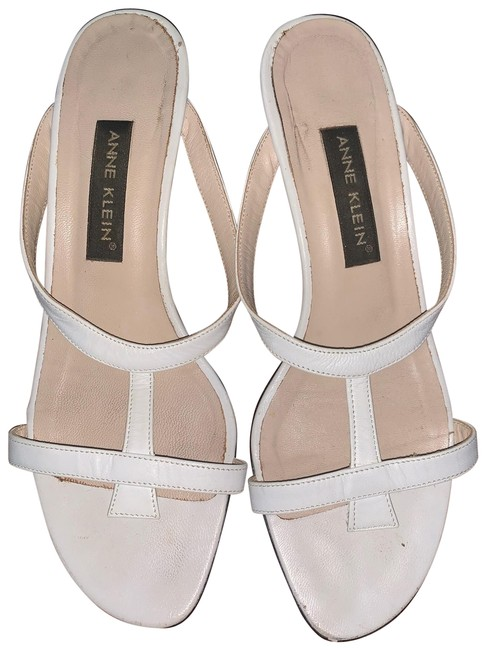 Item - White/Tan Not Sure Of The Style Name Pumps Size US 7 Regular (M, B)
