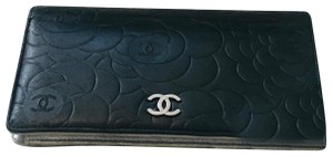 Chanel Authentic CHANEL CC Black Camellia Embossed Lambskin Leather wallet