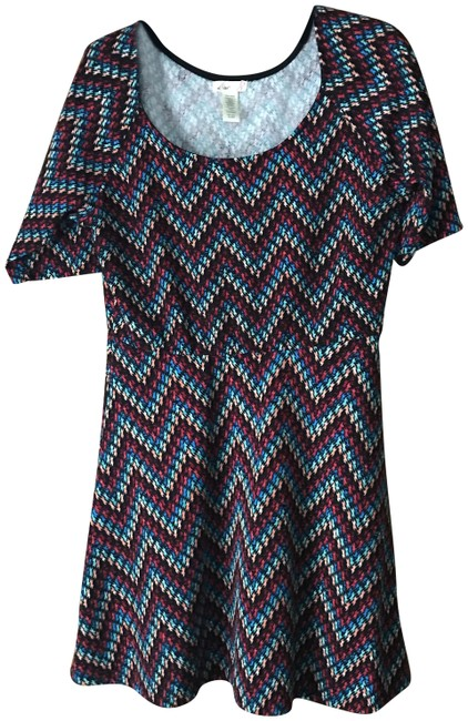 Item - Black Multicolor Fit and Flare Short Casual Dress Size 12 (L)