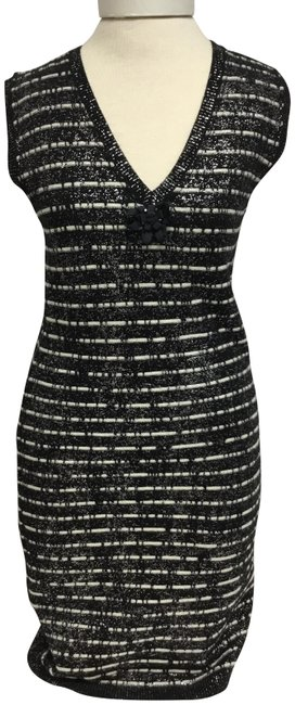 Item - Black And Cream Sleeveless Knit with Cc Logo Mid-length Short Casual Dress Size 8 (M)