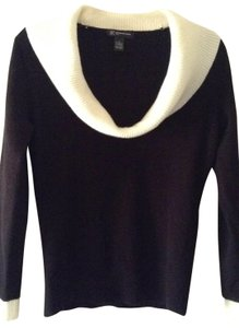 INC International Concepts Nice Contrasting Neckline & Cuffs Sweater