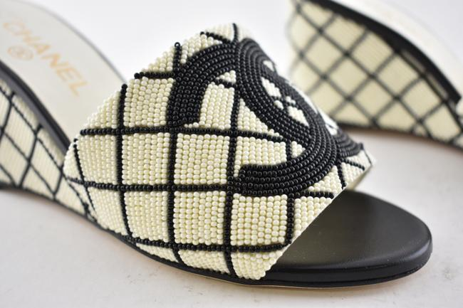Chanel Black 20p White Pearl Beaded Cc Logo Mules Slide Backless Sandal Wedges Size EU 37.5 (Approx. US 7.5) Regular (M, B) Chanel Black 20p White Pearl Beaded Cc Logo Mules Slide Backless Sandal Wedges Size EU 37.5 (Approx. US 7.5) Regular (M, B) Image 3