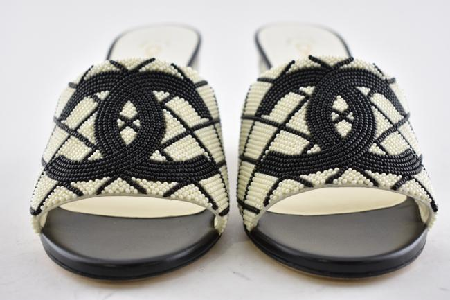 Chanel Black 20p White Pearl Beaded Cc Logo Mules Slide Backless Sandal Wedges Size EU 37.5 (Approx. US 7.5) Regular (M, B) Chanel Black 20p White Pearl Beaded Cc Logo Mules Slide Backless Sandal Wedges Size EU 37.5 (Approx. US 7.5) Regular (M, B) Image 6