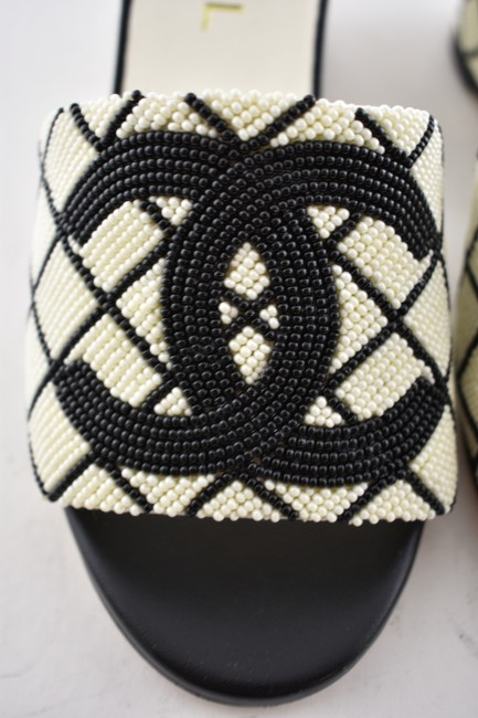 Chanel Black 20p White Pearl Beaded Cc Logo Mules Slide Backless Sandal Wedges Size EU 37.5 (Approx. US 7.5) Regular (M, B) Chanel Black 20p White Pearl Beaded Cc Logo Mules Slide Backless Sandal Wedges Size EU 37.5 (Approx. US 7.5) Regular (M, B) Image 7