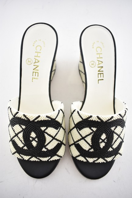Chanel Black 20p White Pearl Beaded Cc Logo Mules Slide Backless Sandal Wedges Size EU 37.5 (Approx. US 7.5) Regular (M, B) Chanel Black 20p White Pearl Beaded Cc Logo Mules Slide Backless Sandal Wedges Size EU 37.5 (Approx. US 7.5) Regular (M, B) Image 8
