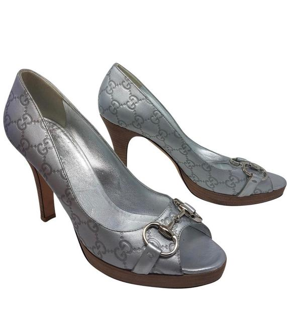 Item - Silver Horsebit simma Metallic Pumps Size EU 39.5 (Approx. US 9.5) Wide (C, D)