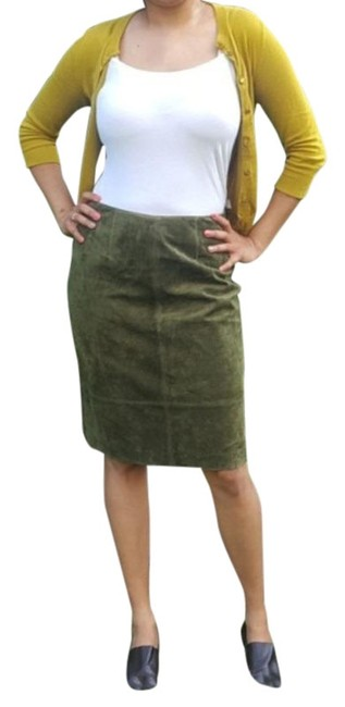 Item - Moss Green Suede Skirt Size 6 (S, 28)