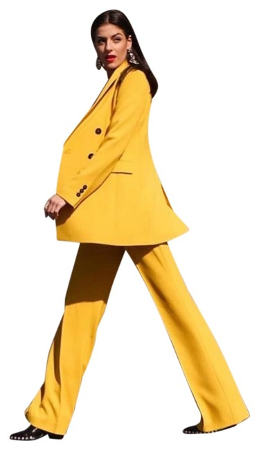 Item - Yellow Flare Pant Suit Size 4 (S)