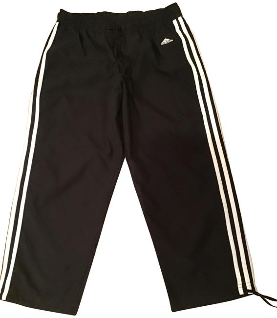 Item - Black with White Stripes Cropped - and Insignia Activewear Bottoms Size 4 (S, 27)