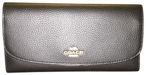 Coach NWT Coach F16613 Pebbled Leather Checkbook Wallet