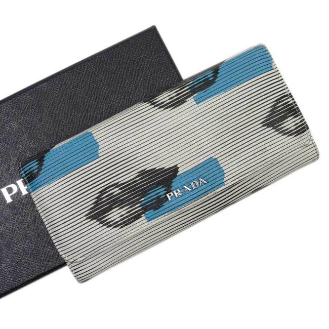 Item - Black / Blue / White Bifold Lip Silver Leather Ladies Wallet