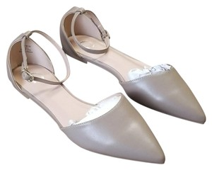 Journee Collection Gray Sandals
