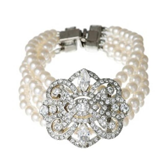 Item - Cream Pearl and Vintage Deco Bracelet