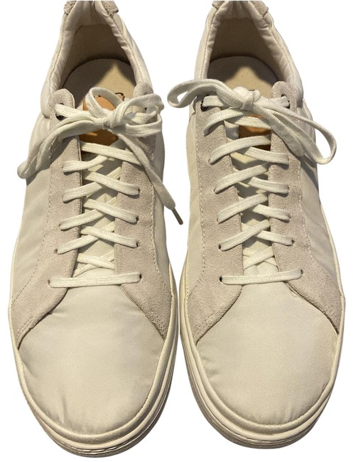 Item - Off White New Color with Suede Trim. Men's 1/2 Sneakers Size US 10.5 Regular (M, B)