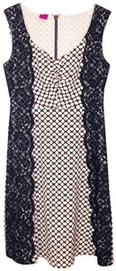 Save The Queen Print Lace Colorblock Stretch Sleeveless Dress