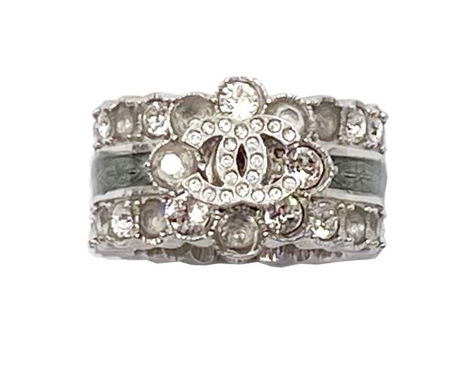 Item - Silver Grey Gold Cc Ivory Camellia 2 Twisted Ring
