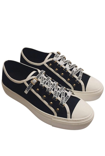 Item - Black and White Sneakers Size US 6.5 Regular (M, B)