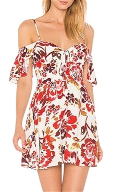 Preload https://img-static.tradesy.com/item/27467495/lovers-friends-white-and-red-floral-lfdr75-u17-short-casual-dress-size-12-l-0-1-650-650.jpg