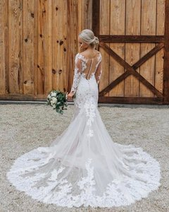 Allure Bridals Ivory Lace Traditional Wedding Dress Size 6 (S)