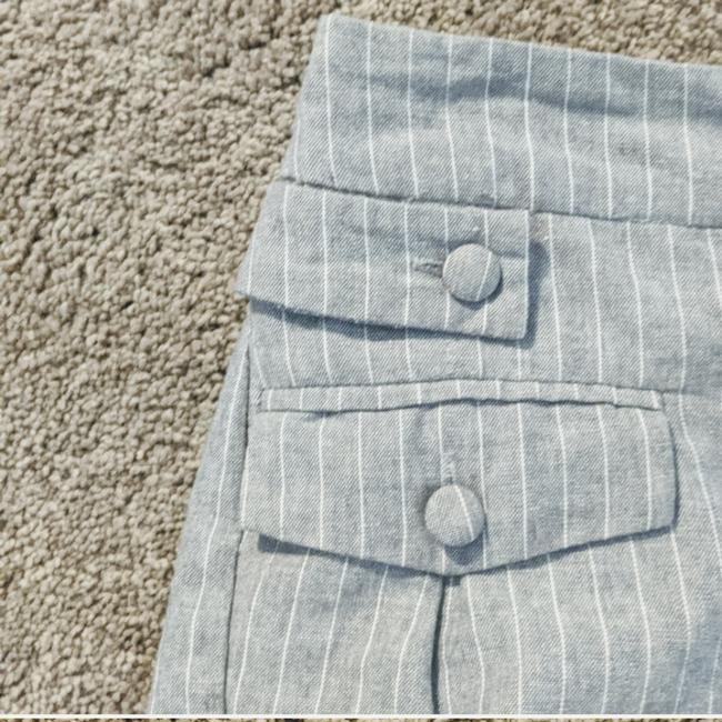 Item - Grey with Pinstripes Nwot Too Big On Me Didn't Try On When Purchased Pleaded Super Cute Slightly High Waisted 2 Front & Shorts Size 6 (S, 28)
