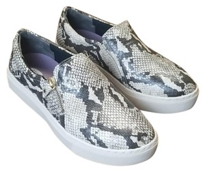 Dr. Scholl's Gray White Flats