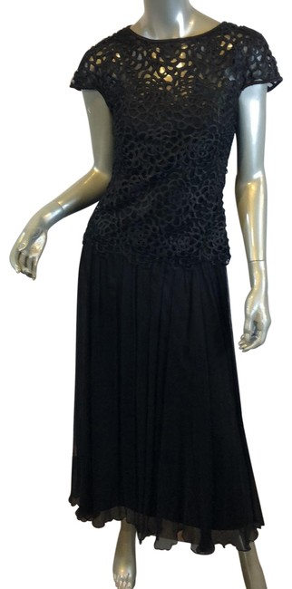 Item - Black Embroidery Detail Long Cocktail Dress Size 4 (S)