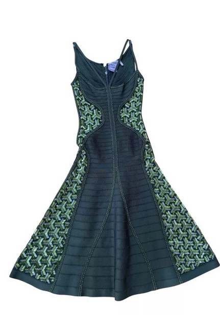 Item - Green Ondria Mid-length Formal Dress Size 4 (S)