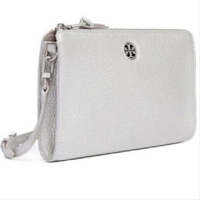Tory Burch Robinson Pebbled Wallet Silver Leather Cross Body Bag Tory Burch Robinson Pebbled Wallet Silver Leather Cross Body Bag Image 1