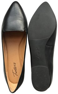 Trotters Leather Comfortable black Flats