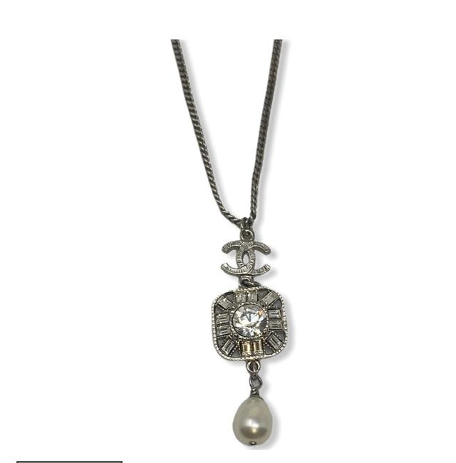 Item - Silver Crystal and Faux Pearl Cc Logo Like New Necklace