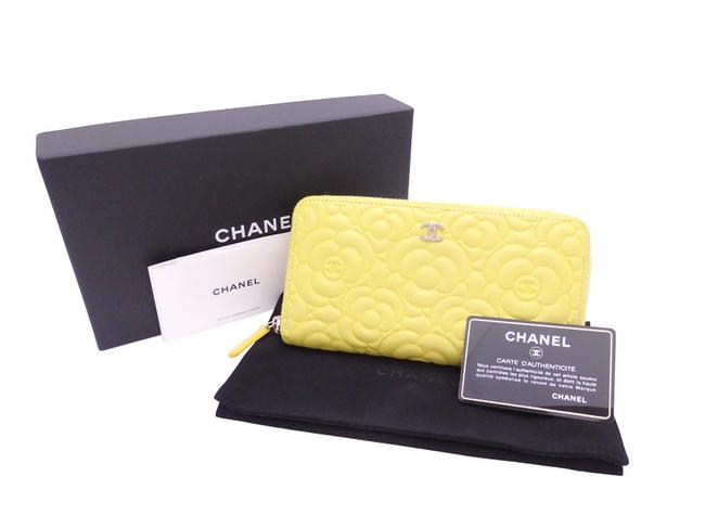 Item - Yellow Round Zipper Camellia Coco Mark Light Leather Silver Hardware Ladies E41962 Wallet