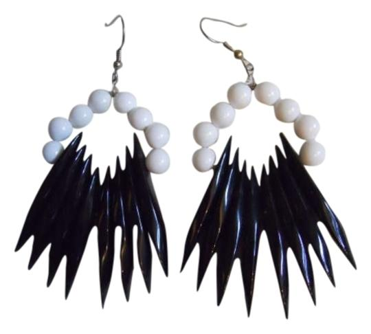 Preload https://item3.tradesy.com/images/park-lane-black-and-white-earrings-274917-0-0.jpg?width=440&height=440