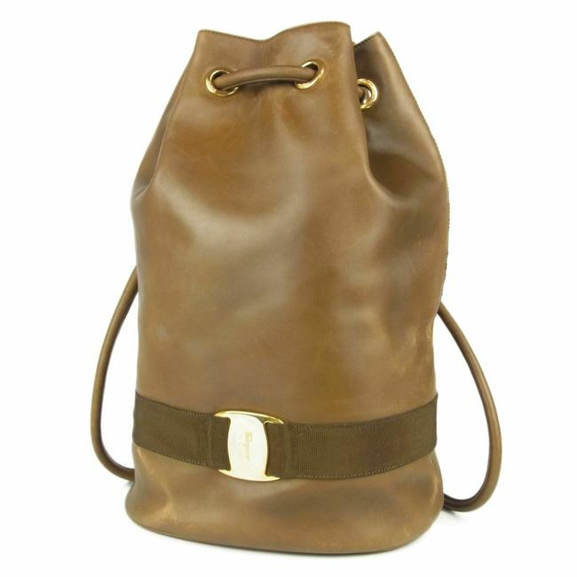 Item - Bucket Bag Backpack XL W Style Satchel/Backpack W/ Accents Olive Leather with Gold Vara Satchel