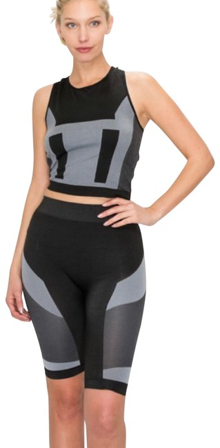 Item - Black & Gray Two Piece Set Activewear Sportswear Size 4 (S)