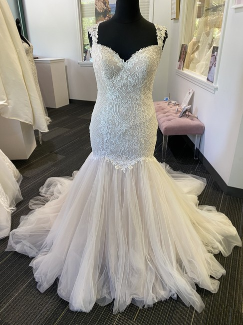 Item - Ivory Over Light Gold Tulle and Beaded Lace Zelda Sexy Wedding Dress Size 14 (L)