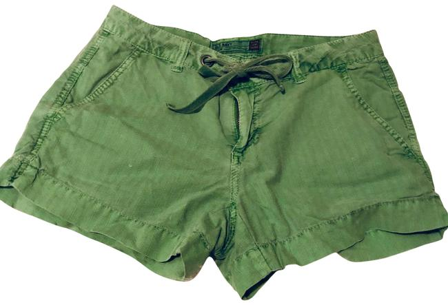 Item - Green Ultra Low Waist Shorts Size 0 (XS, 25)