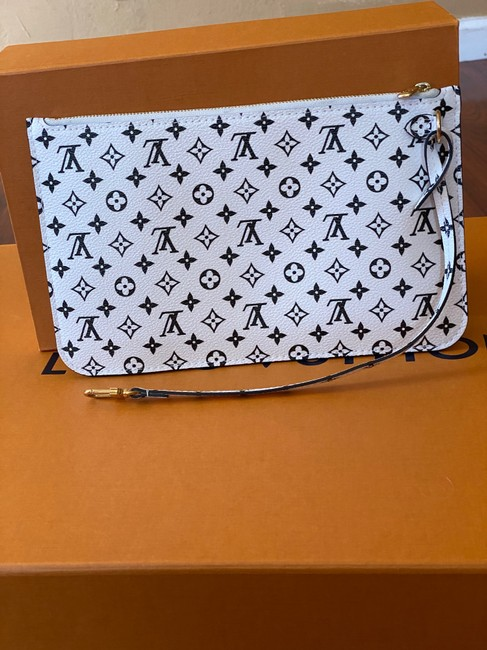 Item - Neverfull Pouch/Wristlet Monogram Giant Beige Coated Canvas Wristlet
