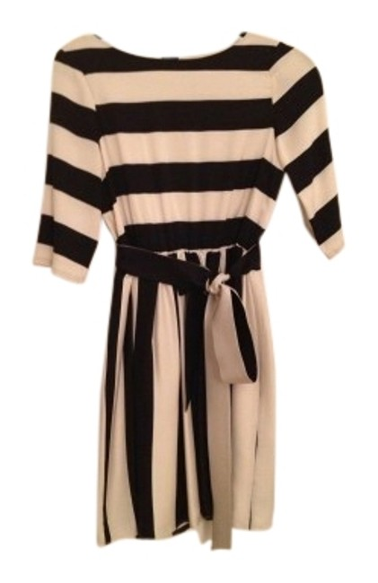 Preload https://item1.tradesy.com/images/alice-olivia-black-and-white-striped-above-knee-workoffice-dress-size-4-s-27510-0-1.jpg?width=400&height=650