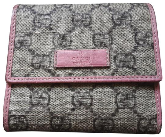 Preload https://img-static.tradesy.com/item/27510679/gucci-beigepink-french-flap-wallet-0-1-540-540.jpg