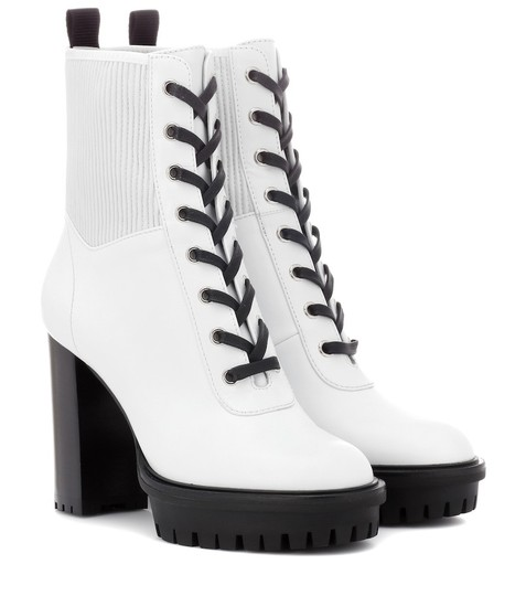 Preload https://img-static.tradesy.com/item/27510716/gianvito-rossi-white-martis-lace-up-leather-ankle-bootsbooties-size-eu-385-approx-us-85-regular-m-b-0-0-540-540.jpg