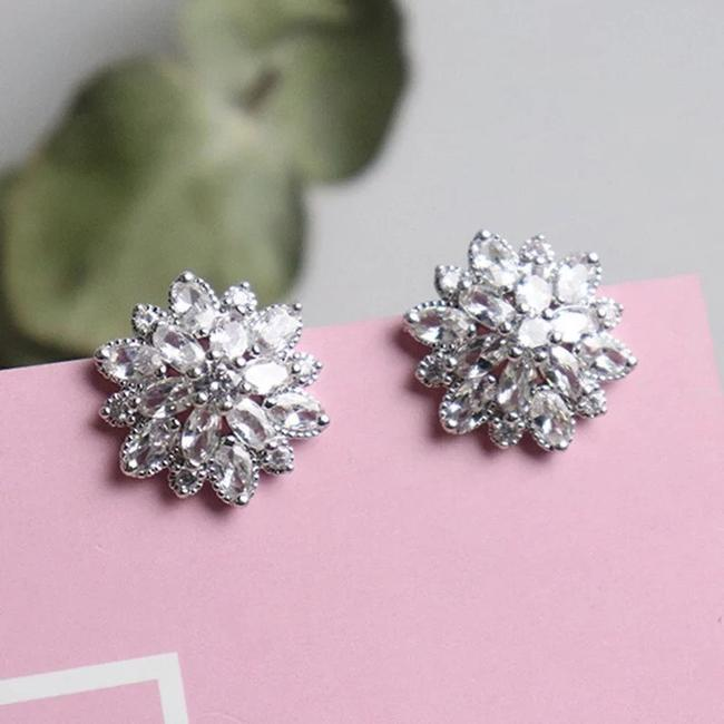 Silver Plated Bling Zircon Stone Flower Color Stud For Women Fashion Earrings Silver Plated Bling Zircon Stone Flower Color Stud For Women Fashion Earrings Image 1