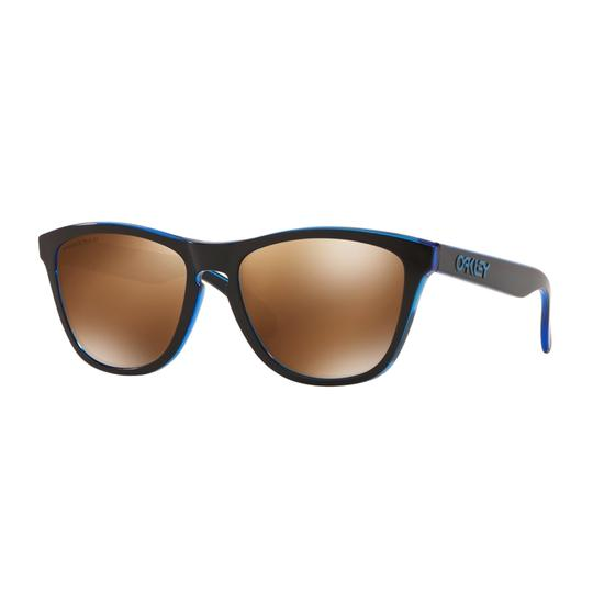 Preload https://img-static.tradesy.com/item/27511212/oakley-eclips-blue-frame-and-tung-polarized-lens-oo9013-h955-unisex-rectangular-sunglasses-0-0-540-540.jpg