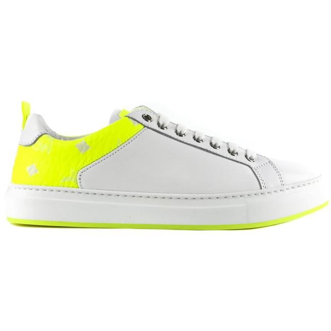 MCM White New Women's Low Top Leather and Visetos Sneakers Size US 7 Regular (M, B) MCM White New Women's Low Top Leather and Visetos Sneakers Size US 7 Regular (M, B) Image 1