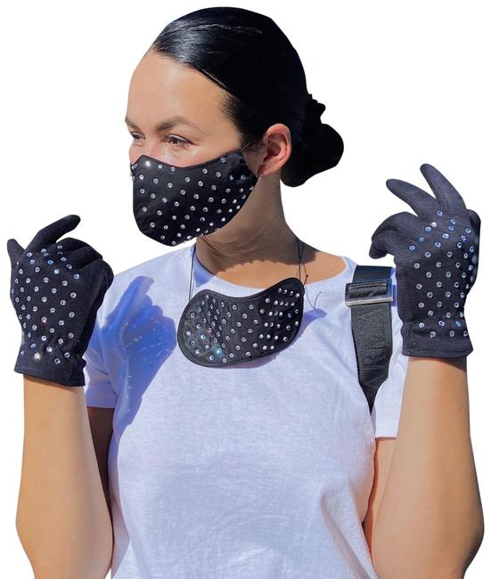 Item - Black Women's Fashion Face Mask Gloves Eye Mask Socks Set Travel Kit With Scarf/Wrap