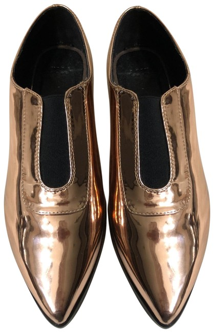 Item - Rose Gold Flats Size US 7 Regular (M, B)